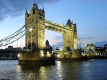 panduan berlibur - tower-bridge-london